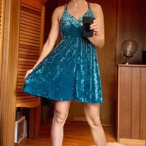 Wild Fable M velour teal dress